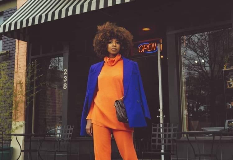azul con naranja moda